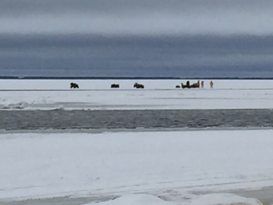 Dozens ice fishing on upper red lake rescued for Jrs upper red lake fishing report