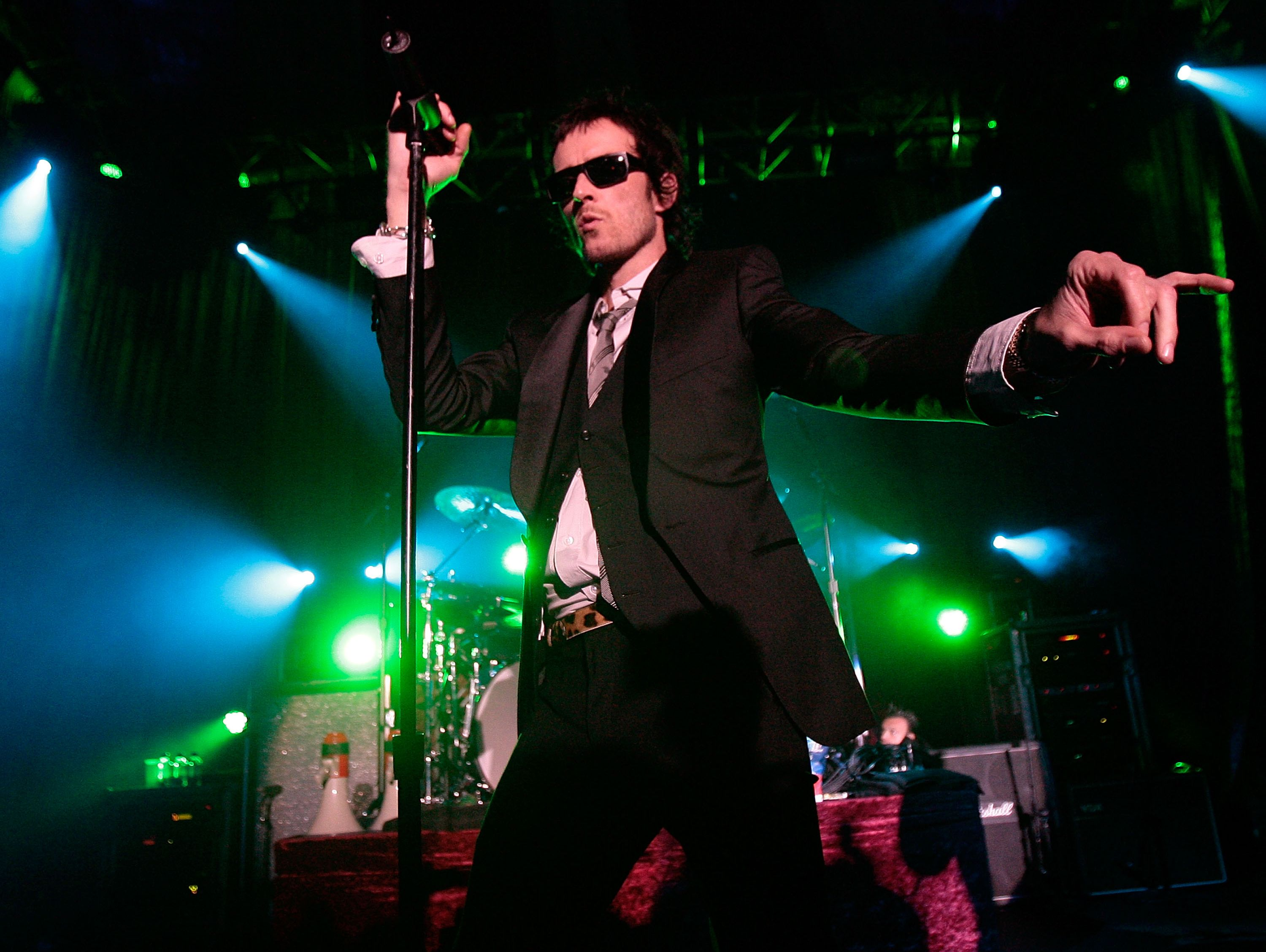 WEST HOLLYWOOD, CA - APRIL 07:  Stone Temple Pilots