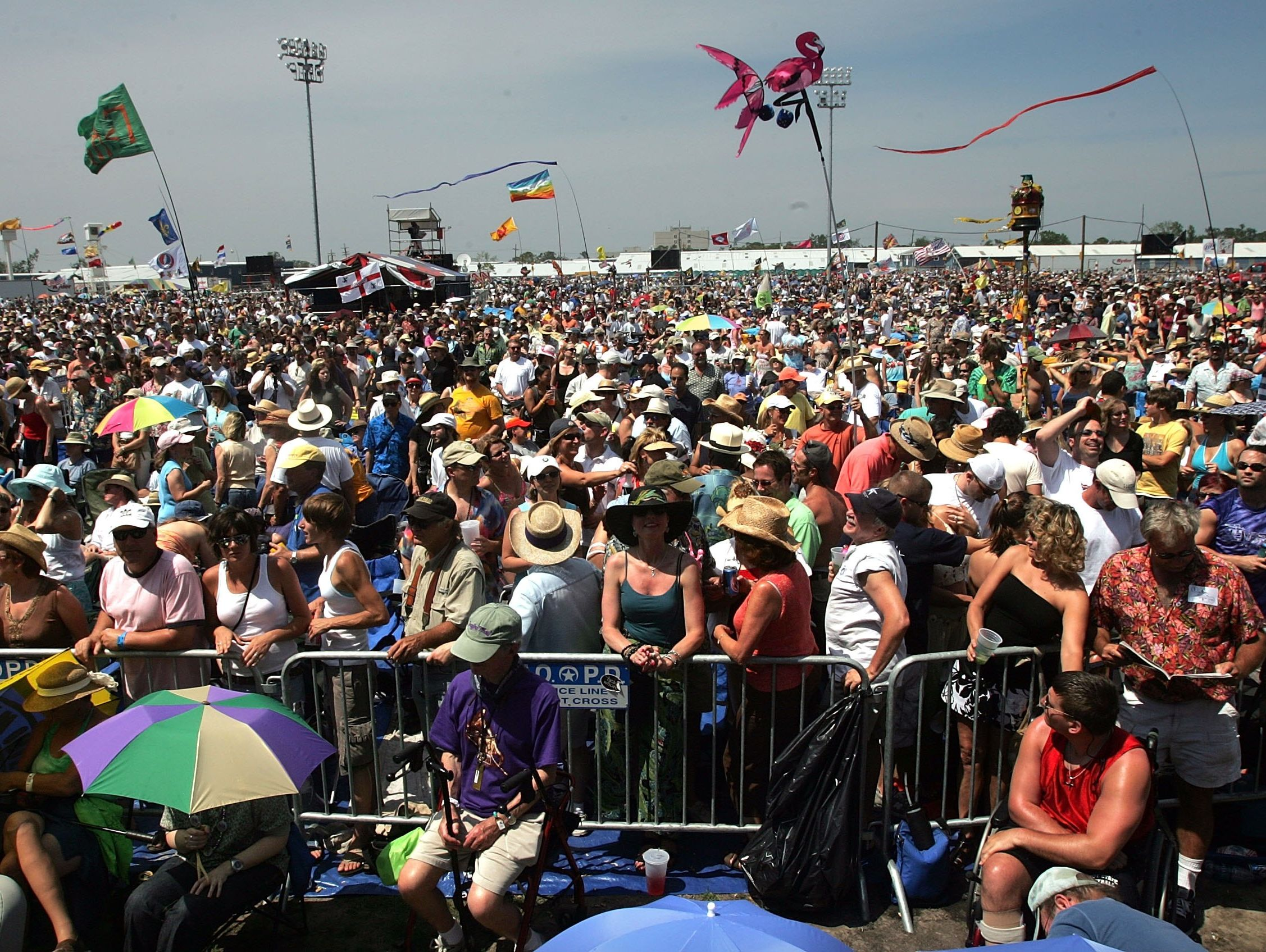 NEW ORLEANS - APRIL 28:  Thousands of festival goers