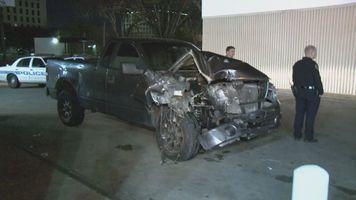 635926776282658995 SW Fwy Chase Crash
