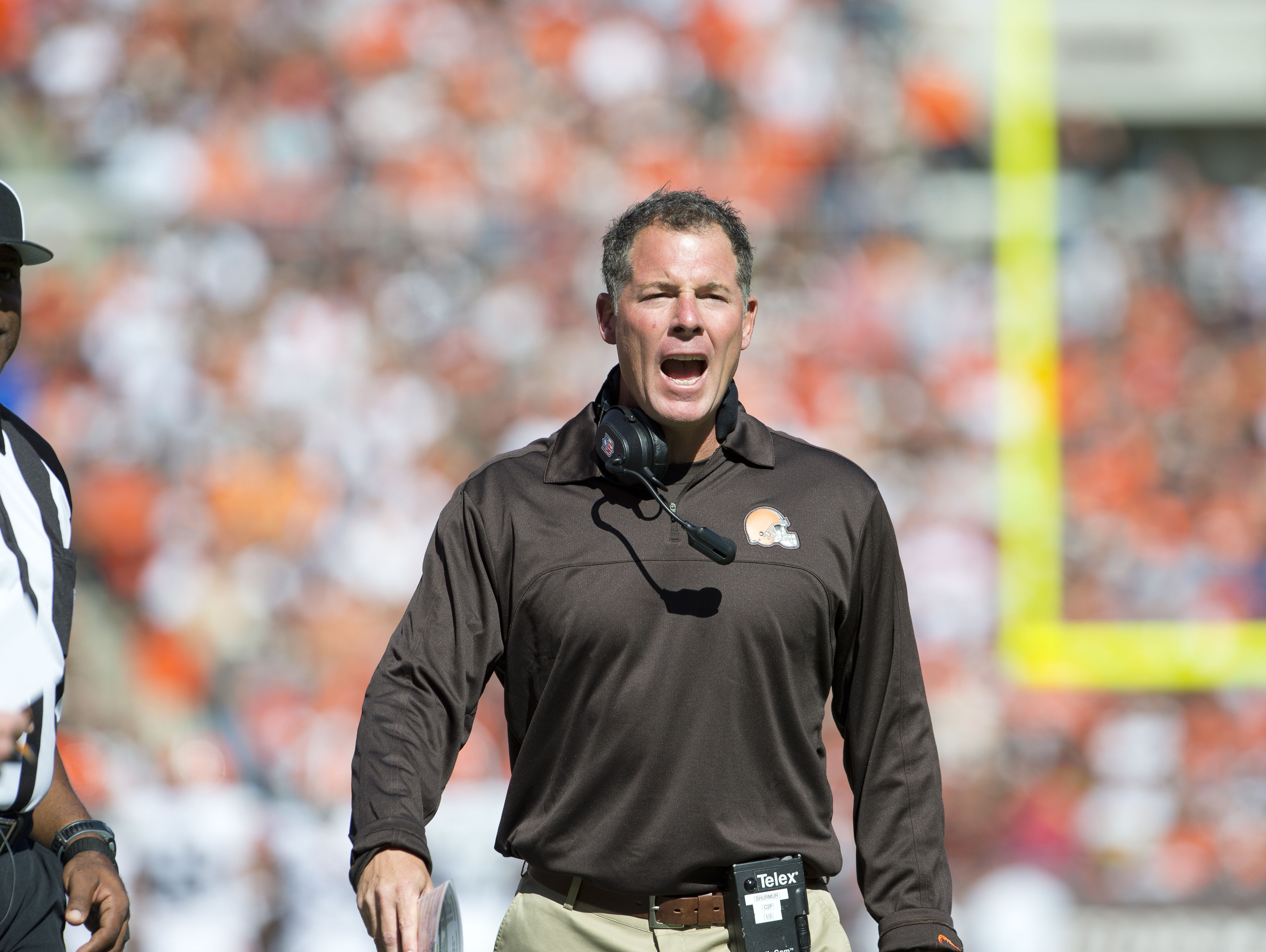 Pat Shurmur, pictured as the head coach of the Cleveland Browns in 2012.