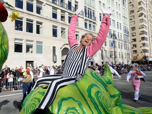when does macy day parade begin