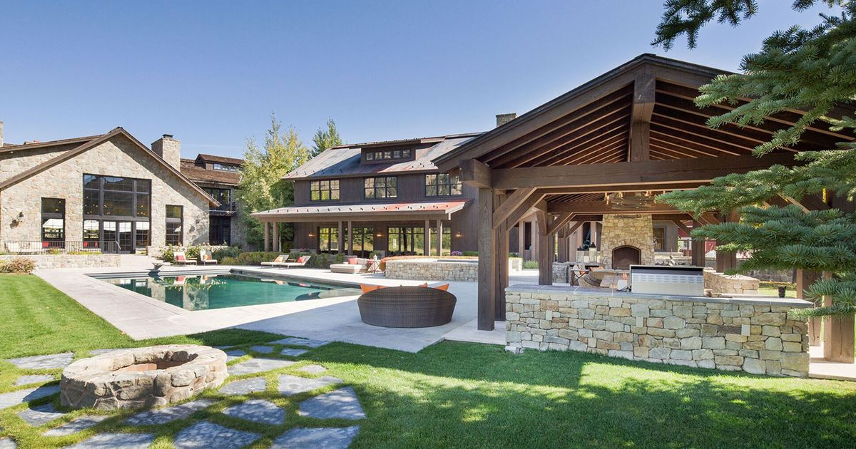 Idaho 39 s most expensive home goes up for auction for Homes up for auction